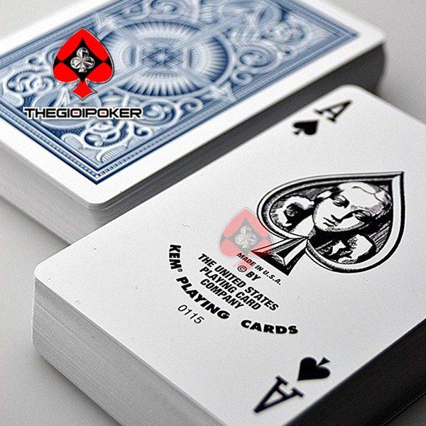 bai_nhua_poker_Kem_K1