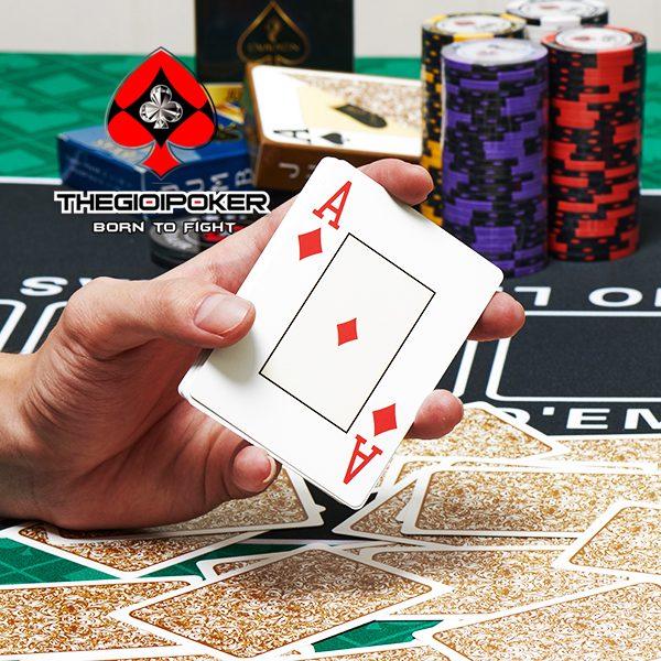 bai_tay_nhua_poker_texas_ovalion