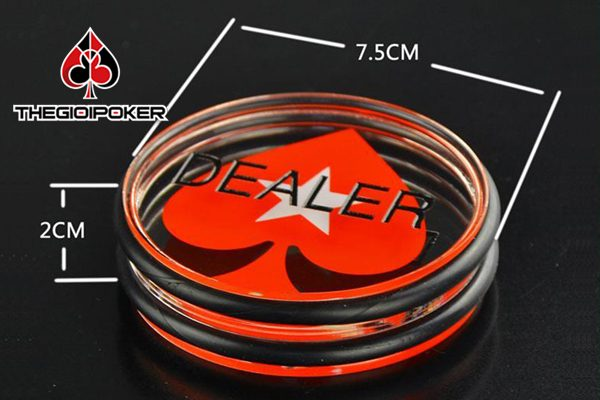 khich-thuoc-the-dealer-button-poker-to