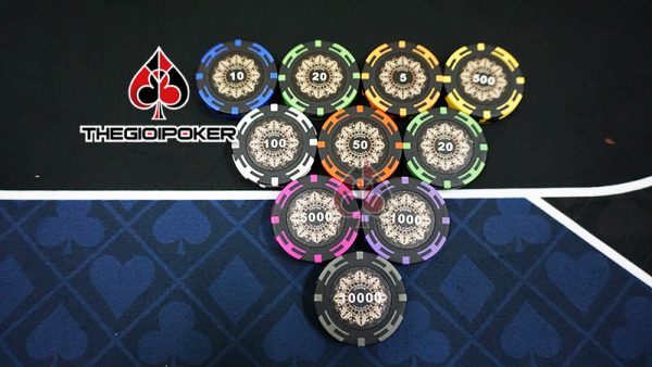 phinh-poker-crown-co-so-clay