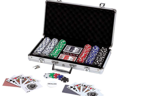 bo-phinh-poker-300-chip-poker-khong-so