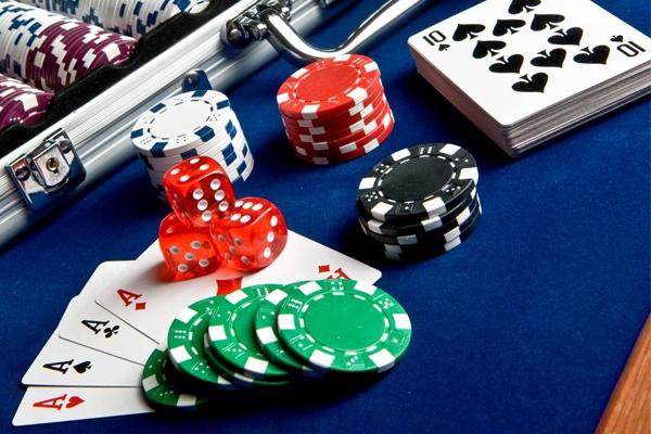 phinh-poker-300-chip-khong-so_basic2
