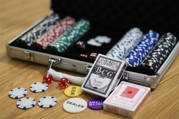 phinh-poker-300-chip-khong-so_basic3
