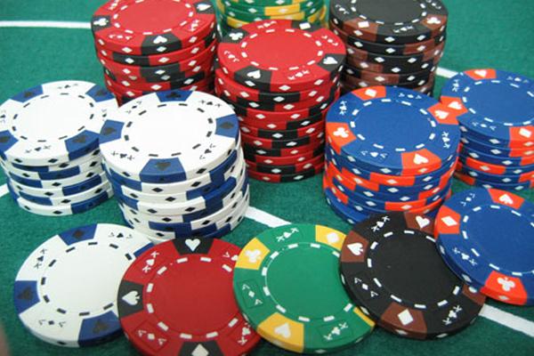 phinh-poker-300-chip-khong-so_caocap3