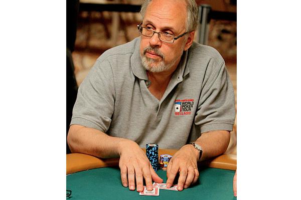 David Sklansky trong một bàn chơi poker