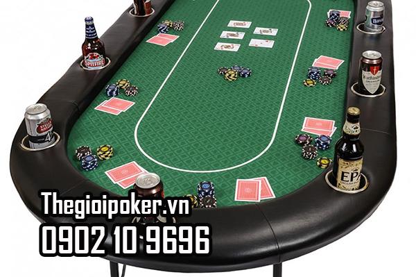 Khay đựng đồ uống tiện dụng trên bàn poker