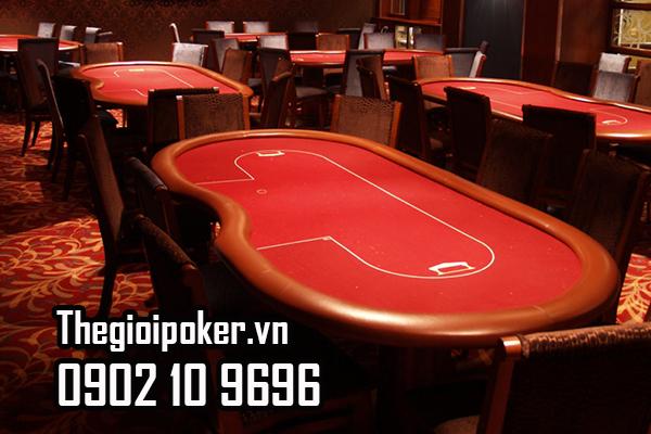 Kích thước bàn poker phải đáp ứng được đủ lượng người chơi