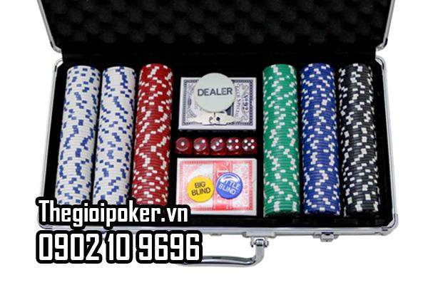 Phỉnh poker Basic gồm 5 màu