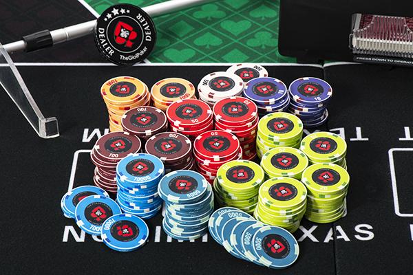 Chip poker set ceramic mới nhất 2020 do thegioipoker nhập khẩu đủ mệnh giá từ 1 đến 10000
