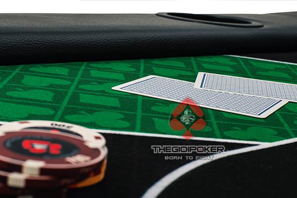 mặt bàn poker cao cấp kích thước 1x2m phù hợp với phòng chơi poker nhỏ gọn và bàn poker có thể gấp đôi nên rất tiện lợi cho việc di chuyển