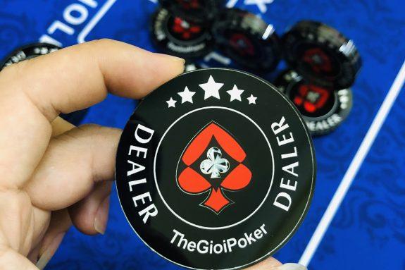 Dearler Button poker 2020