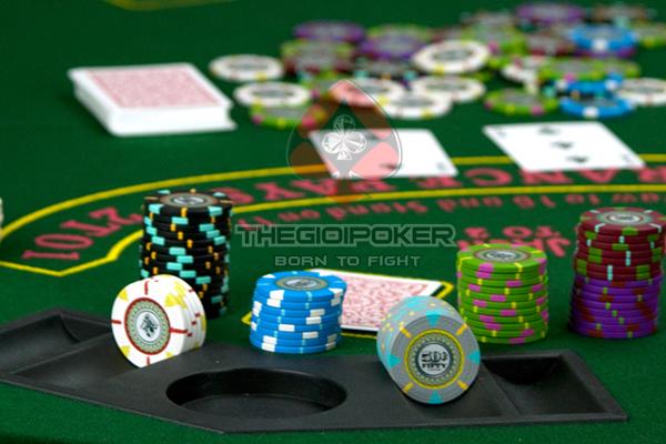 Chip poker clay mẫu mới nhất 2020 tại VIệt Nam