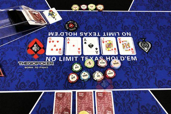 chip poker custom ceramic theo yêu cầu riêng của KB POker