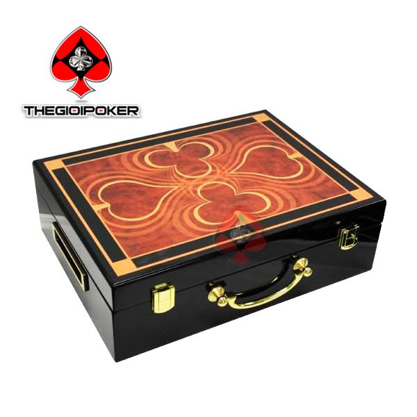 Vali đựng 500 chip poker được làm bằng gỗ cao cấp