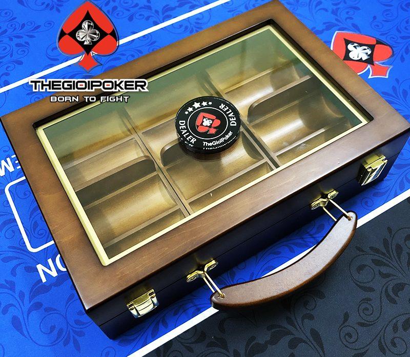 Vali gồ cao cấp đựng được 300 phỉnh poker, bảo quản và làm quà tặng vô cùng ý nghĩa