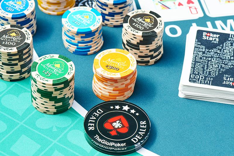 Chip Poker clay montecarlo được thiết kế theo phong cách cổ điển đặc trưng tại Monaco những năm 2000