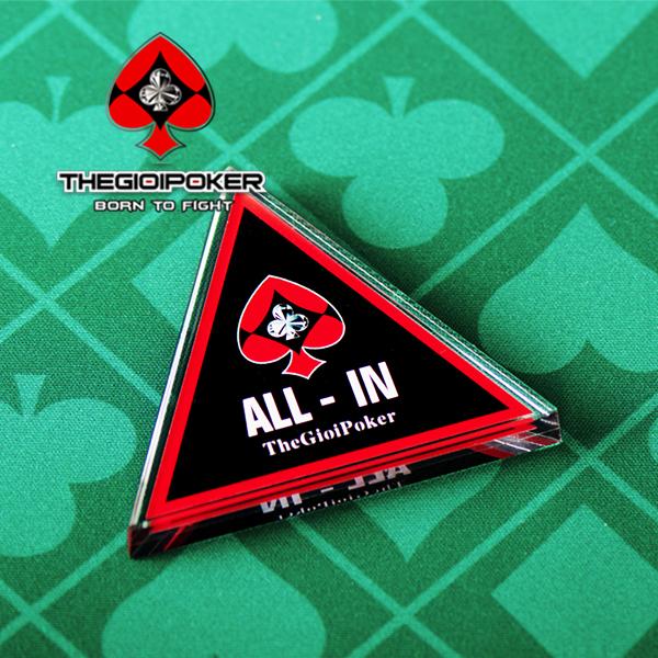 Thẻ ALL-IN button TGP được làm từ chất liệu pha lê cao cấp