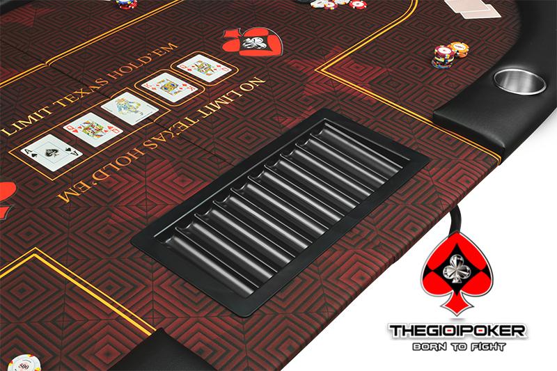 Bàn Poker Folding Big Star được trang bị 10 cupholde để đồ uống và 1 Tray chip trên bề mặt